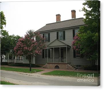 Clapboard House Colonial Williamsburg Canvas Print by Christiane Schulze Art And Photography