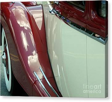 Classic Car Fender Canvas Print by Donna Cavanaugh