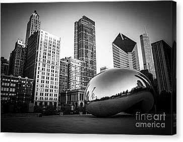 Cloud Gate Bean Chicago Skyline In Black And White Canvas Print by Paul Velgos