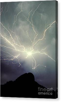 Cloud To Cloud Lightning Canvas Print by Frank Zullo