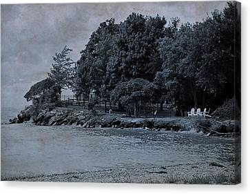 Coastal Living On Lake Erie Canvas Print by Dan Sproul