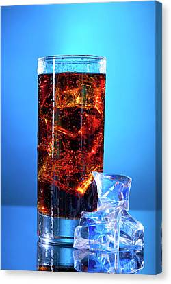 Cola Drink In A Glass Canvas Print by Wladimir Bulgar