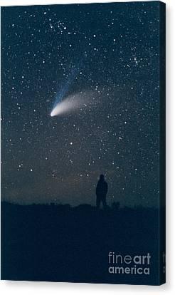 Comet Hale-bopp Canvas Print by John Chumack