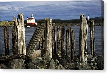 Coquille Lighthouse Oregon 3 Canvas Print by Bob Christopher