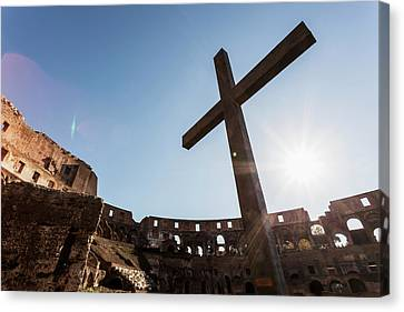 Cross In The Colosseum  Rome, Italy Canvas Print by Reynold Mainse