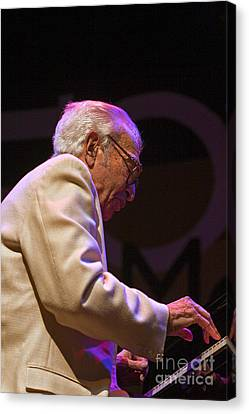 Dave Brubeck On Piano Canvas Print by Craig Lovell