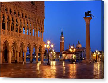 Dawn At The Ducal Palace Near Piazza Canvas Print by Brian Jannsen