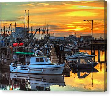 Dawn's Early Light Canvas Print by Randy Hall