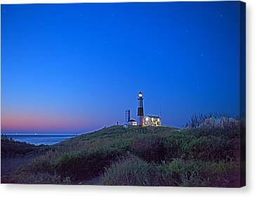 Dawn's Early Light Canvas Print by William Jobes