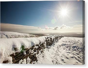 Deep Snow On The Fairfield Horseshoe Canvas Print by Ashley Cooper