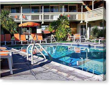 Del Marcos Pool Palm Springs Canvas Print by William Dey