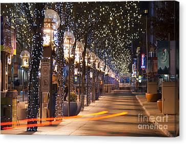Denver's 16th Street Mall At Christmas Canvas Print by Juli Scalzi