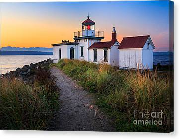 Discovery Lighthouse Canvas Print by Inge Johnsson