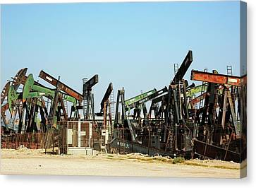 Disused Oil Pumps Canvas Print by Bildagentur-online/tschanz-hofmann