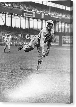 Dizzy Dean Pitching Canvas Print by Retro Images Archive