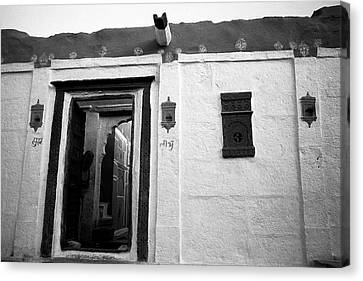 Door And Alcoves Canvas Print by Jagdish Agarwal