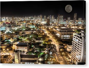 Downtown Honolulu Moonrise Canvas Print by Tin Lung Chao