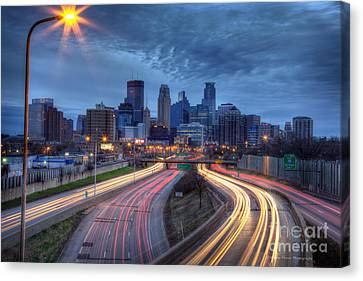 Downtown Minneapolis Skyline On 35 W Canvas Print by Wayne Moran