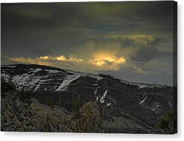 Drama Is Coming Canvas Print by Donna Blackhall