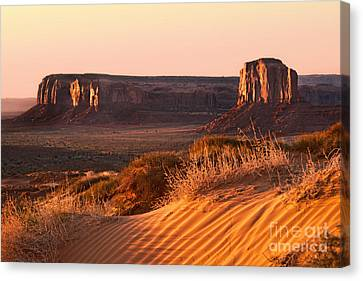 Early Morning In Monument Valley Canvas Print by Jane Rix