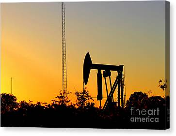 East Texas Pumpjack At Sunset Canvas Print by Kathy  White