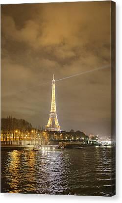 Eiffel Tower - Paris France - 011337 Canvas Print by DC Photographer