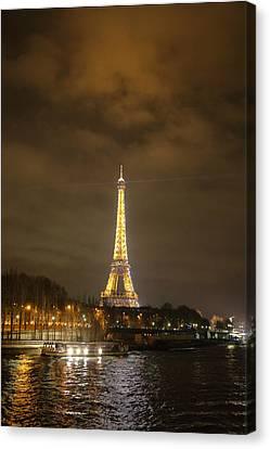 Eiffel Tower - Paris France - 011340 Canvas Print by DC Photographer