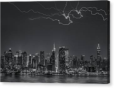 Electrifying New York City Bw Canvas Print by Susan Candelario