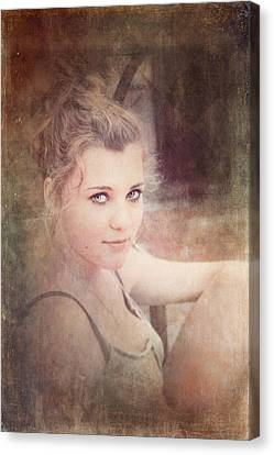 Eye Contact #01 Canvas Print by Loriental Photography