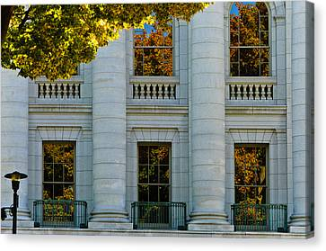 Fall At The Capitol Canvas Print by Christi Kraft