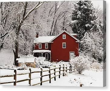 Farm House In Freshly Fallen Snow Canvas Print by Stephen Hobbs