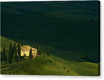 Farmhouse Tuscan Canvas Print by Andrew Soundarajan