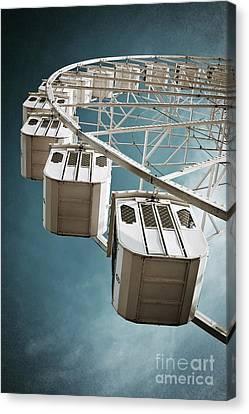 Ferris Wheel Canvas Print by Carlos Caetano