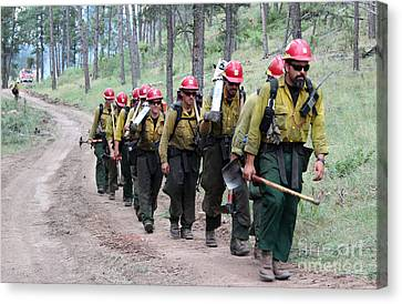 Canvas Print featuring the photograph Fire Crew Walks To Their Assignment On Myrtle Fire by Bill Gabbert