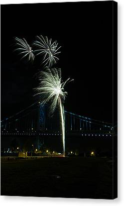 Fireworks At The Ben Franklin Bridge Canvas Print by David Hahn