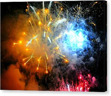 Fireworks Finale Canvas Print by Diana Angstadt