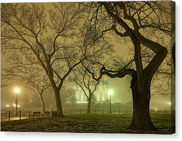 Foggy Approach To The Lincoln Memorial Canvas Print by Metro DC Photography