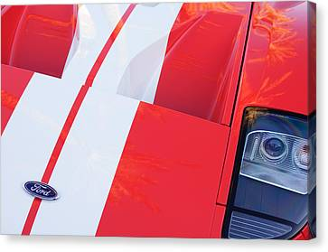 Ford Gt40 Sports Car Canvas Print by Jill Reger