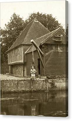 Fordwich Ducking Stool Canvas Print by Underwood Archives