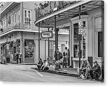 French Quarter - Hangin' Out Bw Canvas Print by Steve Harrington