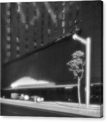 Frontage Of Hotel In Sydney Canvas Print by Colin and Linda McKie