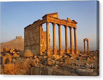 Funerary Temple At Palmyra Canvas Print by Robert Preston