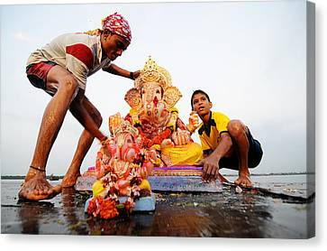 Ganpati Prccession Canvas Print by Money Sharma