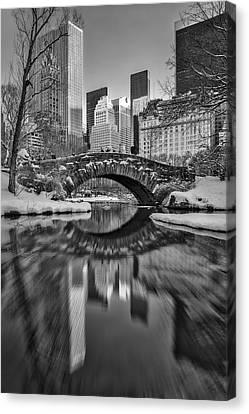 Gapstow Bridge Bw Canvas Print by Susan Candelario