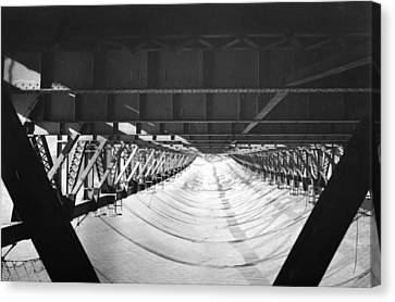 Ggb halfway To Hell Club Net Canvas Print by Underwood Archives