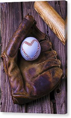 Glove And Heart Baseball Canvas Print by Garry Gay