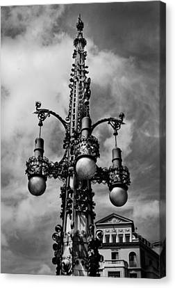 Gothic Lamp Post In Barcelona Canvas Print by Denise Dube