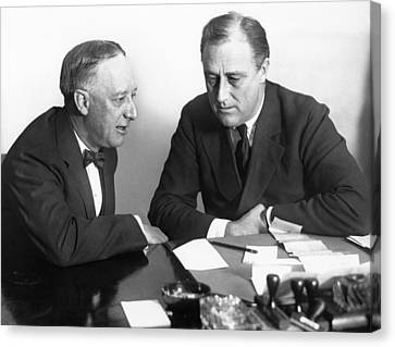 Gov. Al Smith And Roosevelt Canvas Print by Underwood Archives