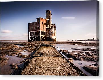 Grain Tower Battery. Canvas Print by Ian Hufton
