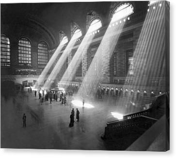 Grand Central Station Sunbeams Canvas Print by Underwood Archives
